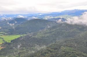 シェヌデピュイ火山群の山々