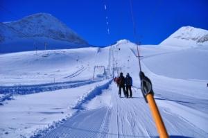 ヒンタートゥックス氷河エリア、Tバーでオルペラーを左手に!