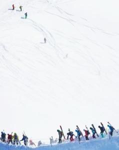 エギュイユドミディーからヴァレブランシェ氷河滑降へ