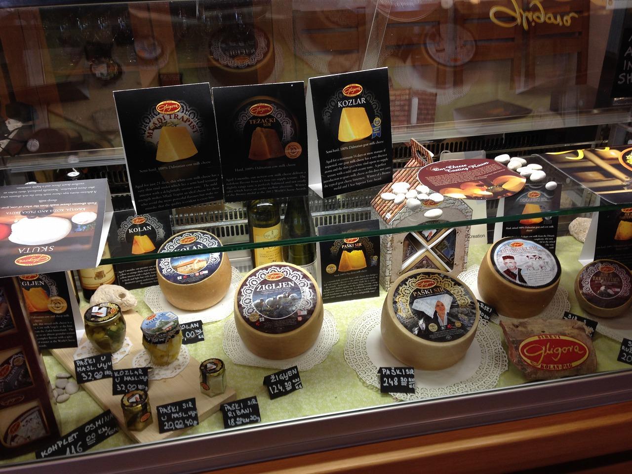 パグ島チーズのショーケース