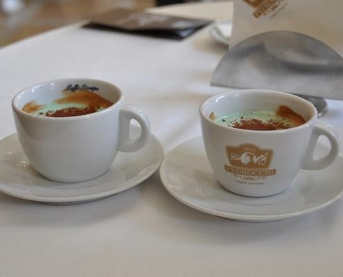 カフェ・ペドロッキの混ぜないで飲むミント味のエスプレッソ(パドヴァ)