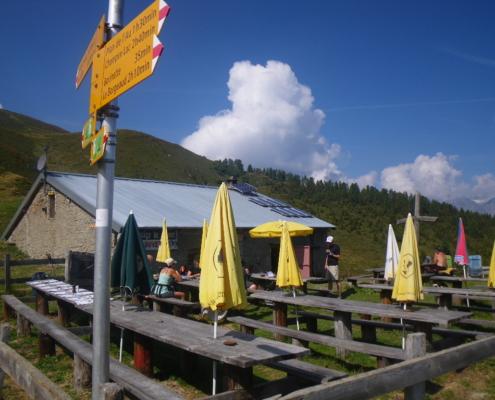 ボンヴィーヌ小屋、Alp Bovine 1987m