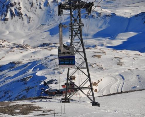 グランモッテ氷河のロープウェー