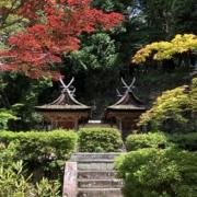 円成寺の国宝・鎮守社、春日堂と白山堂