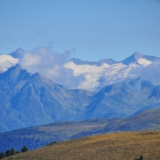 プティア山西側から見たツィラータールの山々と氷河