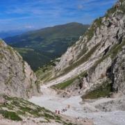 プティア山西側の登り(残雪時)