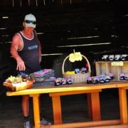 プティア山南麓の蜂蜜の販売