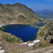 ベナスケ峠から見下ろすフランス側の湖