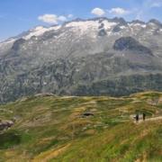 ベナスケ峠から少し下ったところからのアネト山