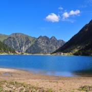 ゴーブ湖、対岸から